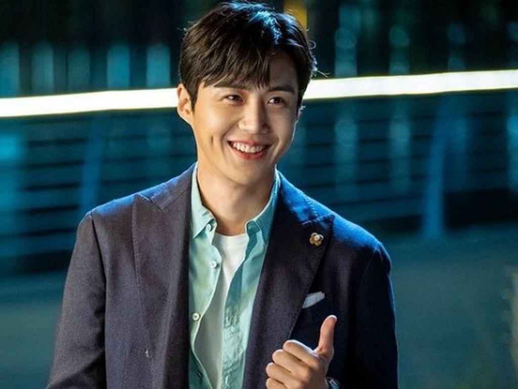 Kim Seon Ho yang Makin Populer Setelah Bintangi Start-Up