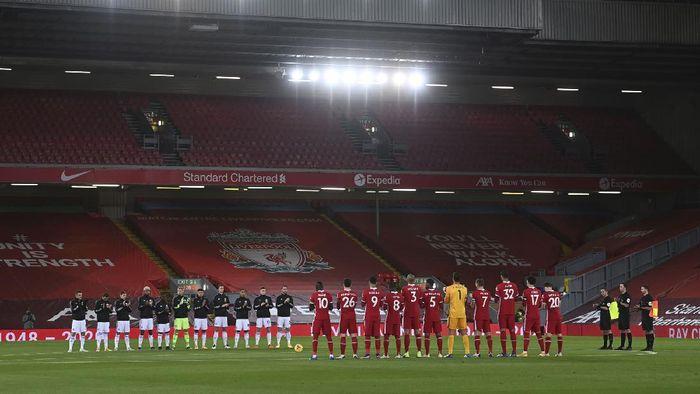 Liverpool berhasil mengalahkan Leicester City dengan skor 3-0. Tambahan poin penuh membuat Liverpool menempel pemuncak klasemen Tottenham Hotspur dengan 20 poin.