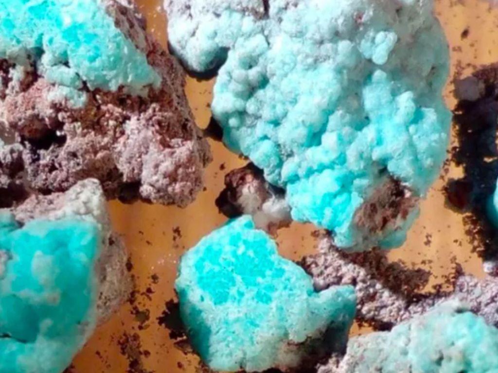 Petrovite, Mineral Baru Berwarna Biru yang Ditemukan Ilmuwan Rusia