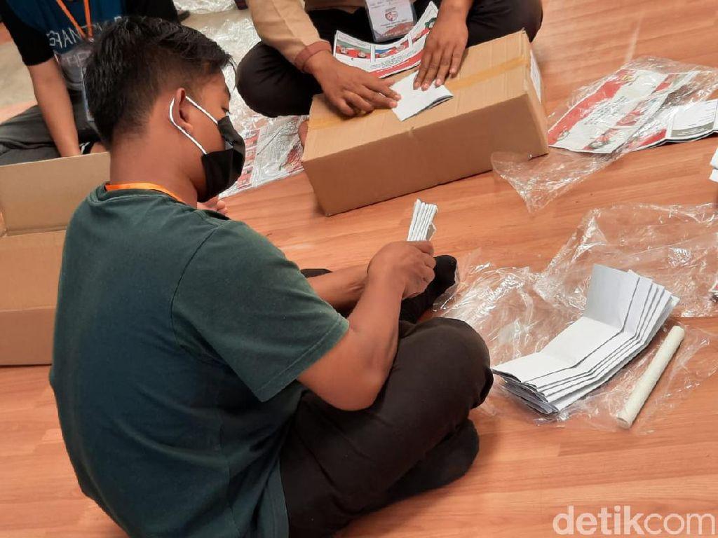 KPU Bandung Temukan 660 Surat Suara Rusak