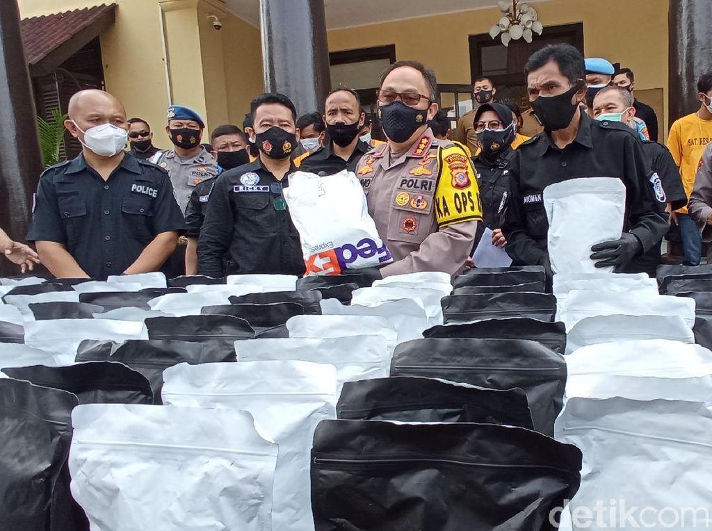 Polisi Bongkar Pabrik Tembakau Gorila di Bekasi, 9 Orang Ditangkap