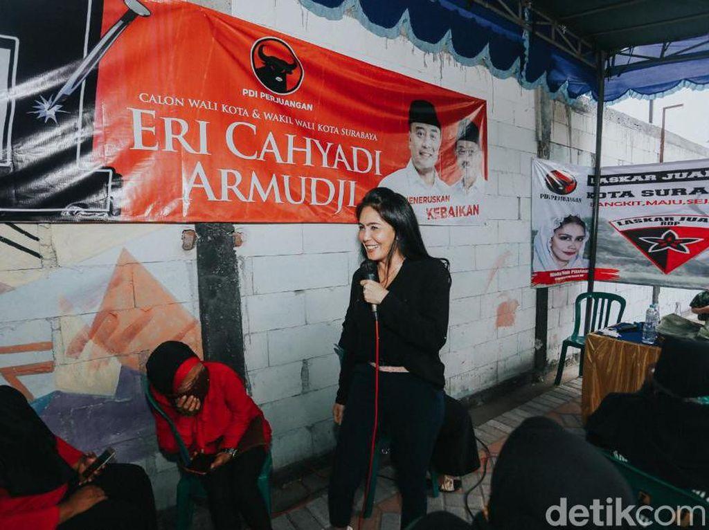 Rieke Turun Gunung Kampanyekan Eri-Armuji: Surabaya Bukan Kota Biasa