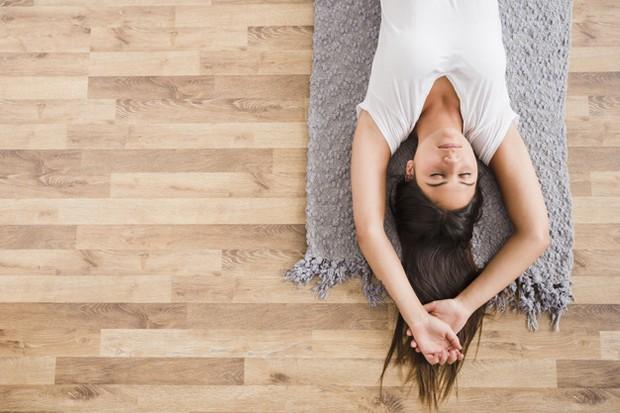 Saat merasa cemas atau marah, rasanya setiap otot di tubuh menjadi tegang, karena itu berlatih untuk relaksasi otot progresif.