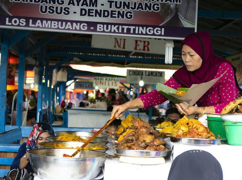 Sejak Abad 19 Nasi Kapau Dijual Wanita Minang yang Ditinggal Merantau