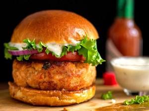 Hobi Makan Burger McDonalds Selama 20 Tahun, Pria Ini Habiskan Rp 780 Juta