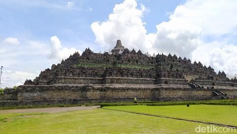 56 stupa candi borobudur ditutupi terpaulin 1 169