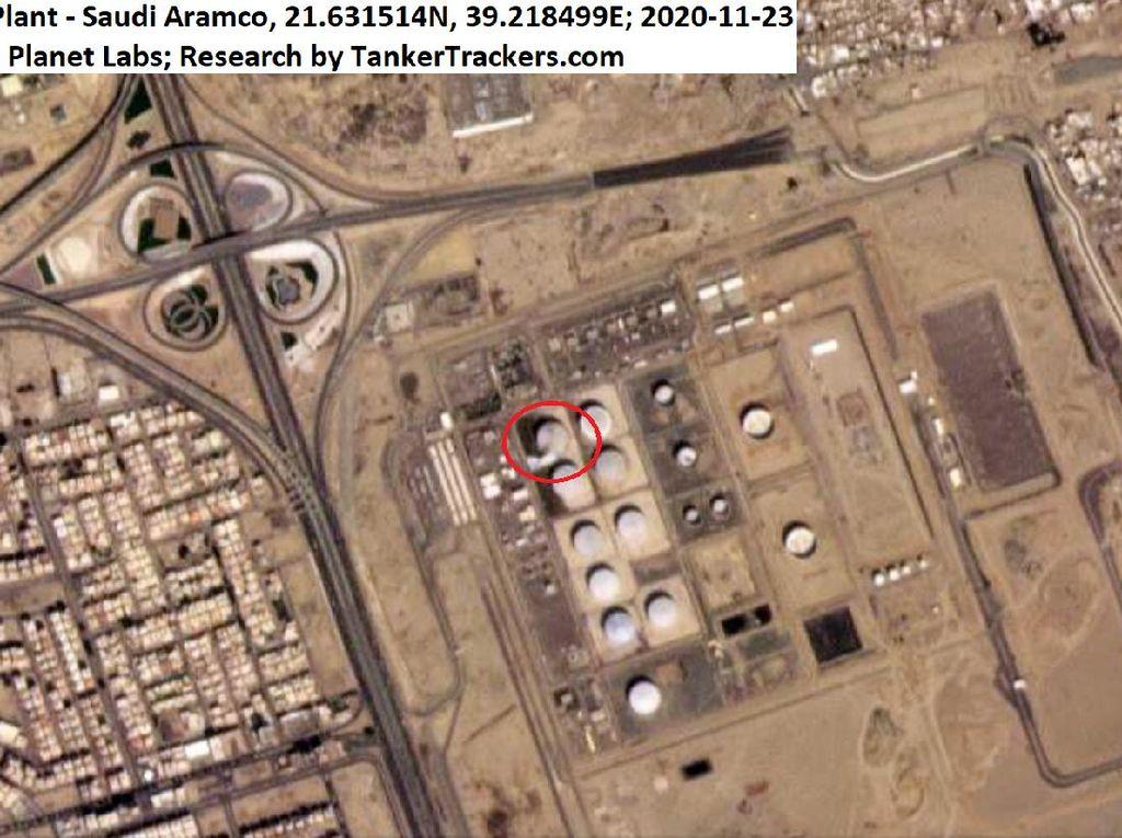 Serangan Rudal Houthi Kenai Fasilitas Minyak Arab Saudi