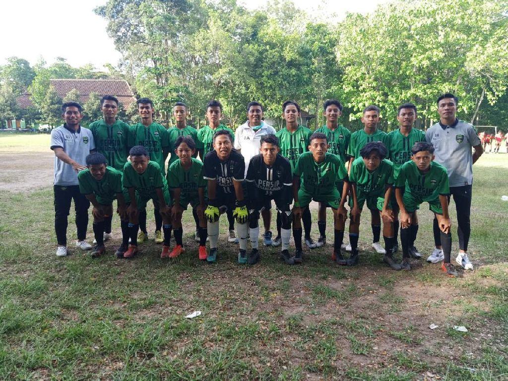 Shopee Liga 1 Vakum, Gelandang Persela Bantu Latih Klub Lokal