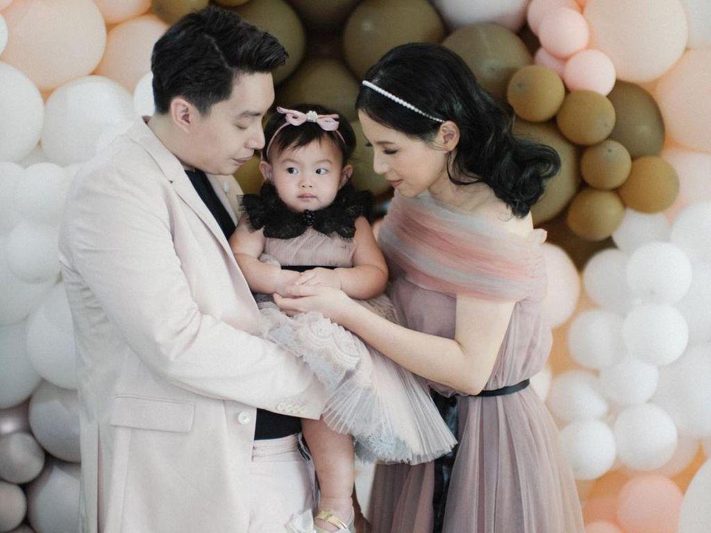 Edric Tjandra Menangis di Perayaan Ultah Pertama Anaknya, Kenapa?