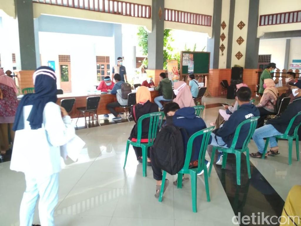 Jelang Pilkada, 3.071 Pengawas TPS Lamongan Jalani Rapid Test