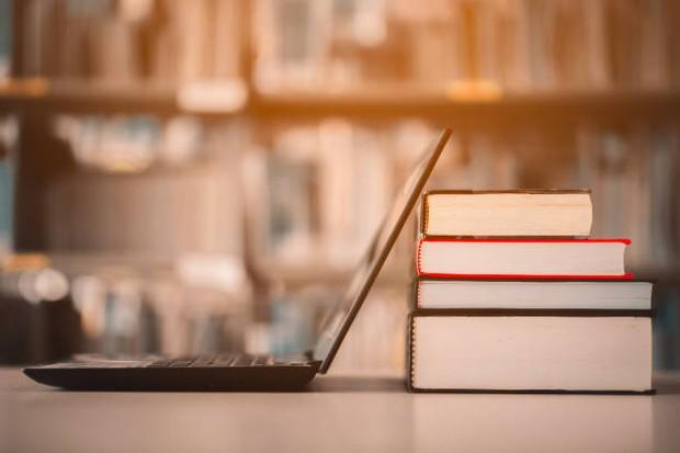 Alasan orang menunda pernikahan kerena ingin melanjutkan pendidikan ke jenjang yang lebih tinggi / Foto: istockphoto.com