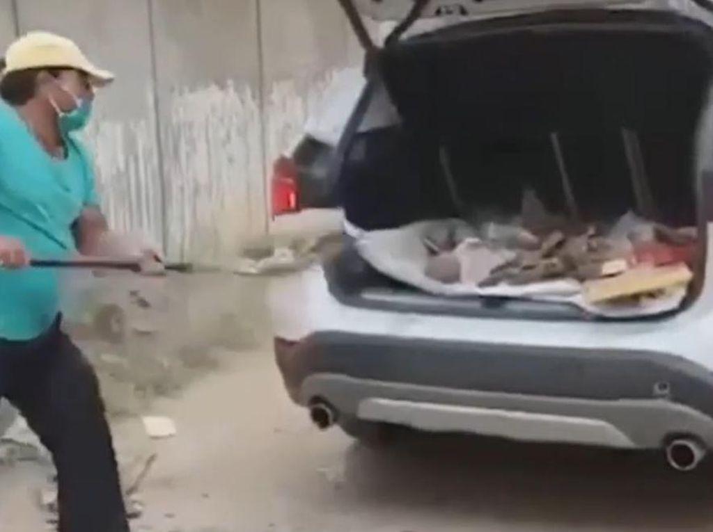 Mobil BMW Ini Buat Angkut Sampah