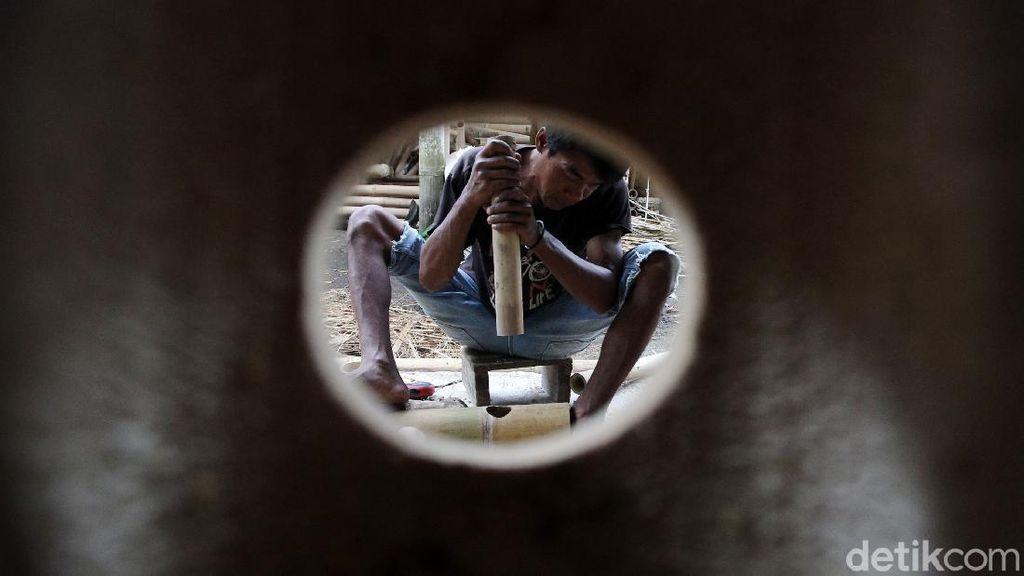 Geliat Perajin Mebel Bambu Bertahan Hadapi Pandemi