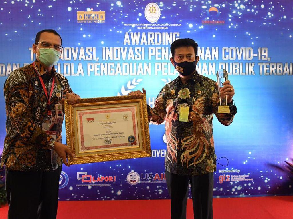 Kementan Raih Penghargaan Pelayanan Publik Terbaik dari Kemenpan RB