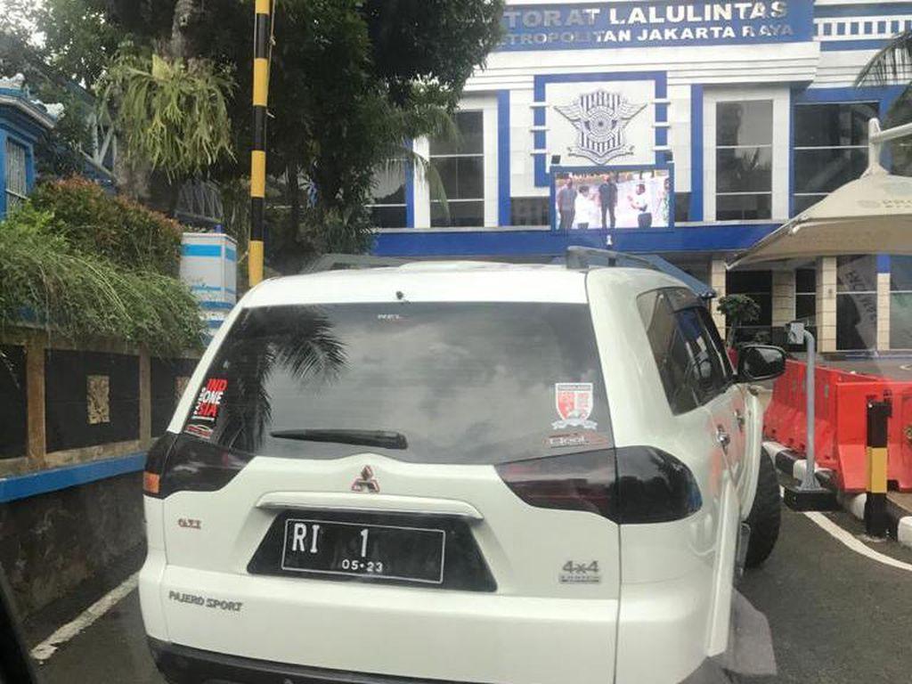 Polisi Pastikan Pelat RI-1 Mobil Pajero Sport Bodong: Aslinya DD-577-PT