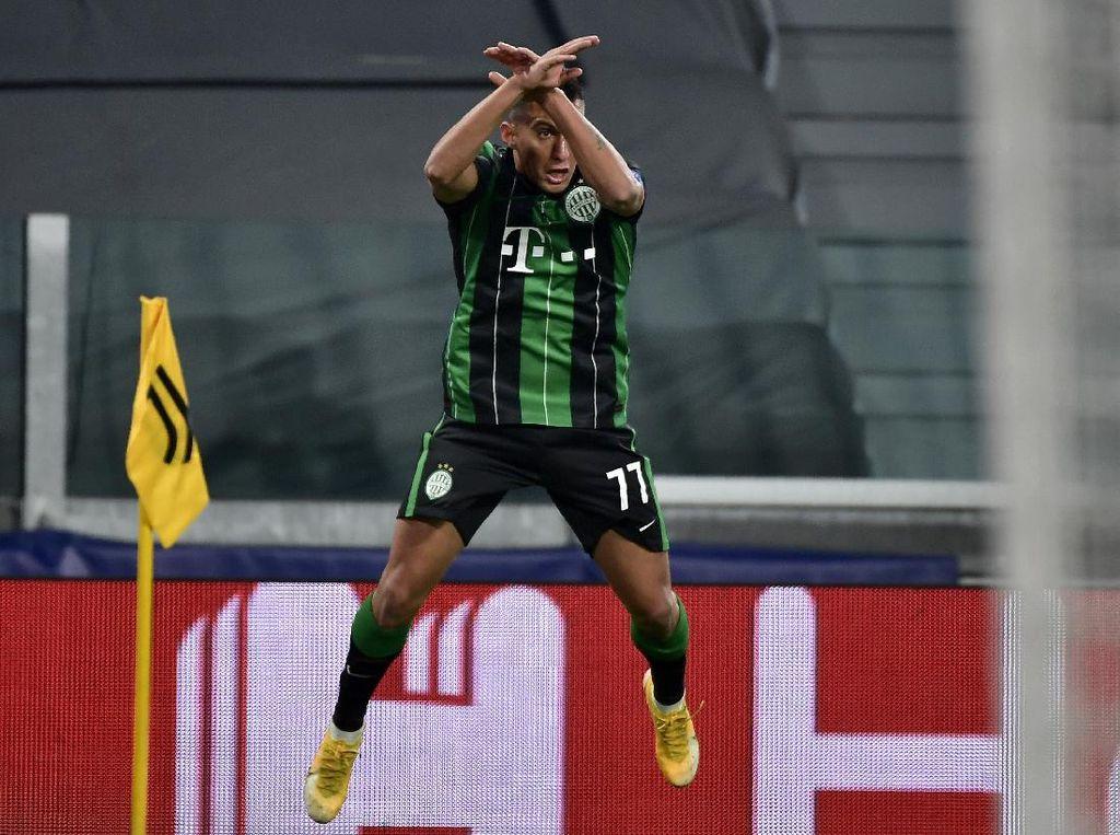 Pemain Ferencvaros Ini Tiru Selebrasi Ronaldo dan Minta Jersey