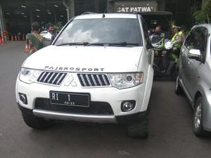 Ini Motif Pemobil Pakai Pelat Bodong RI-1 Masuk Mabes Polri