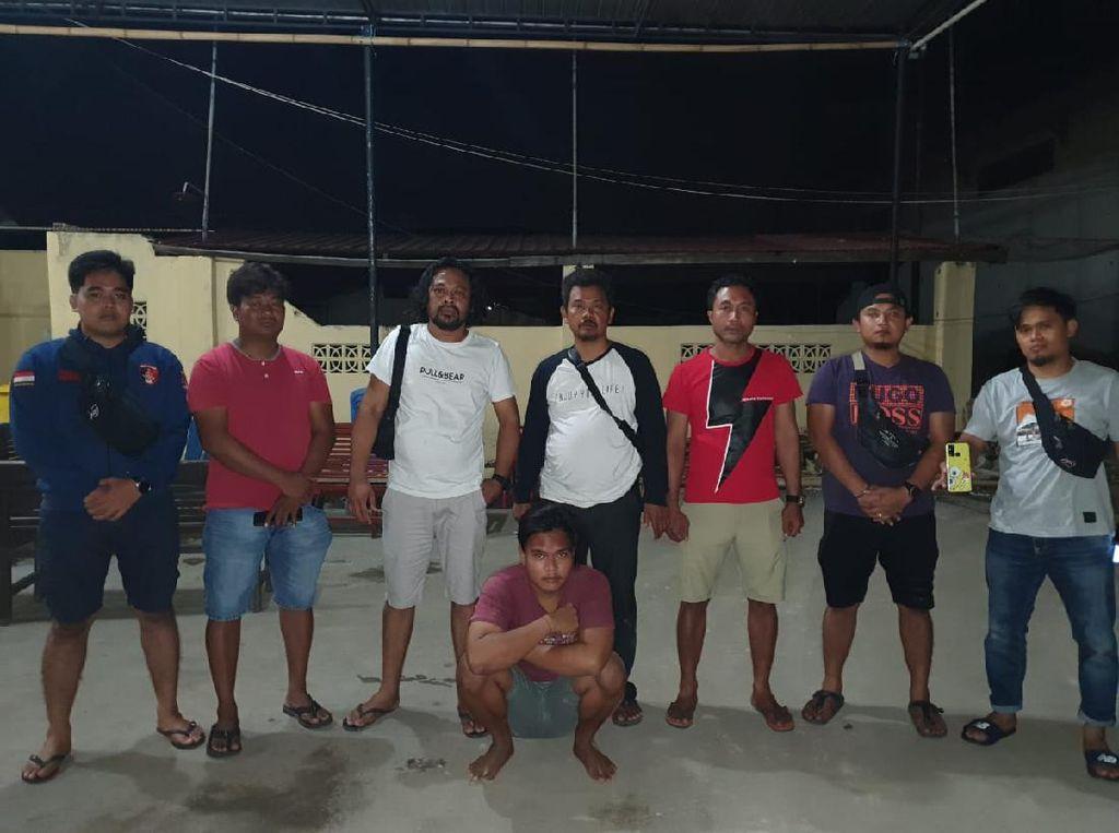 Modal Comot Foto Polisi untuk WA-FB, Wandi Tipu-tipu Tetangga Minta Pulsa
