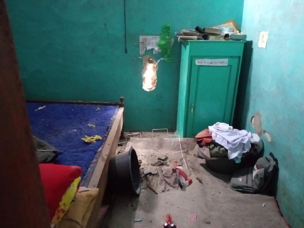 2 Rumah Warga di Sumenep Temboknya Bolong Tersambar Petir, Satu Orang Luka