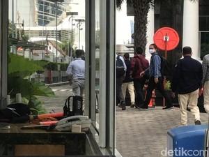 Tim KPK ke KKP Usai OTT Menteri Edhy Prabowo: Kalau Tak Dibuka, Saya Dobrak!