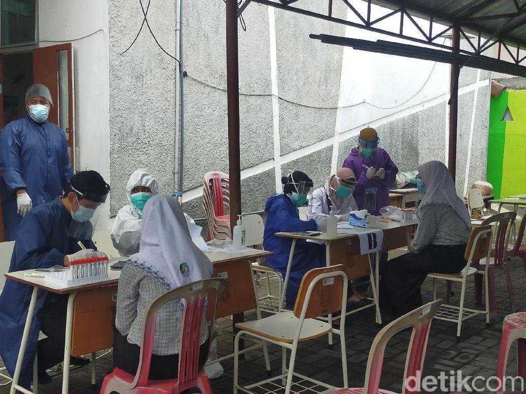 Wali Murid SMP di Surabaya Juga Akan Dites Swab Jelang Sekolah Tatap Muka