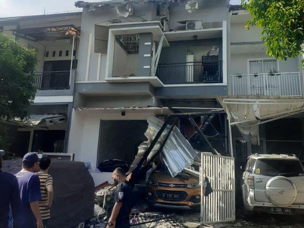Tabung Gas 12 Kg Meledak di Bekasi, Rumah-Mobil Rusak