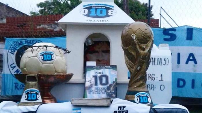 Iglesia Maradonaina, Gereja khusus pemujaan kepada Diego Maradona di Argentina.