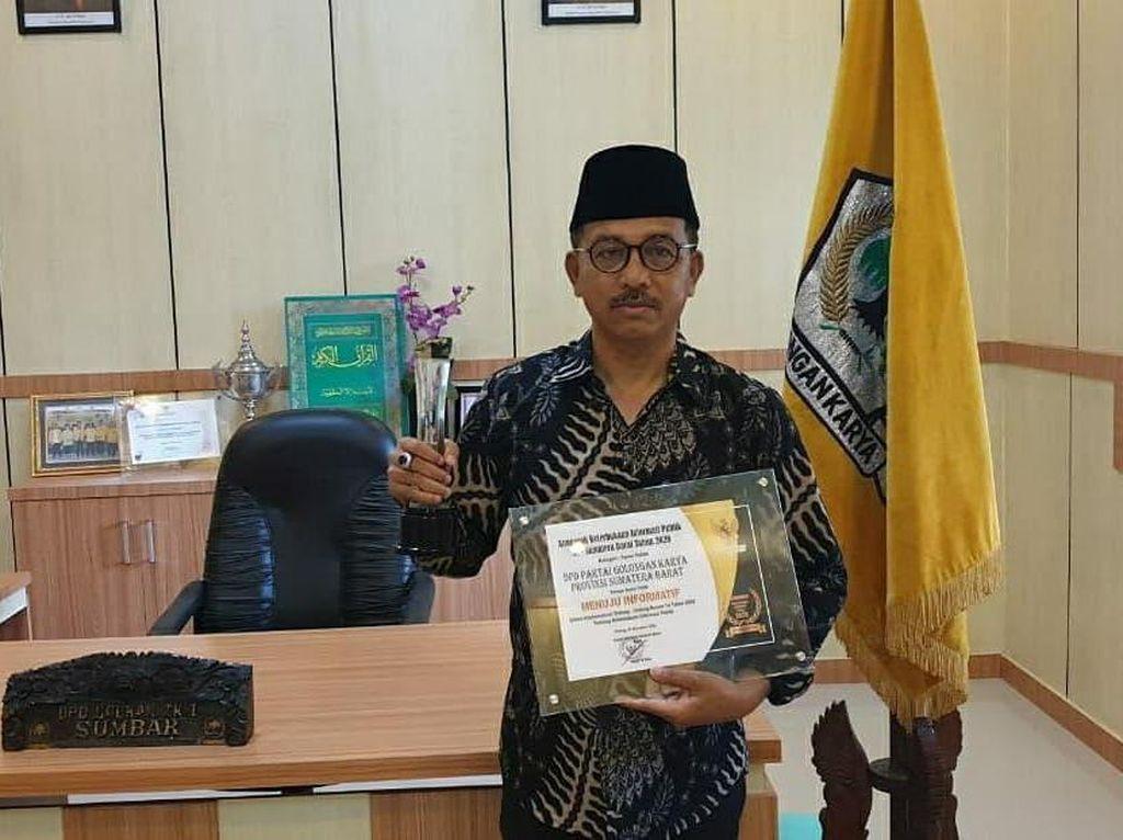 Ketua DPD Golkar Sumbar Raih Anugrah Keterbukaan Informasi Publik