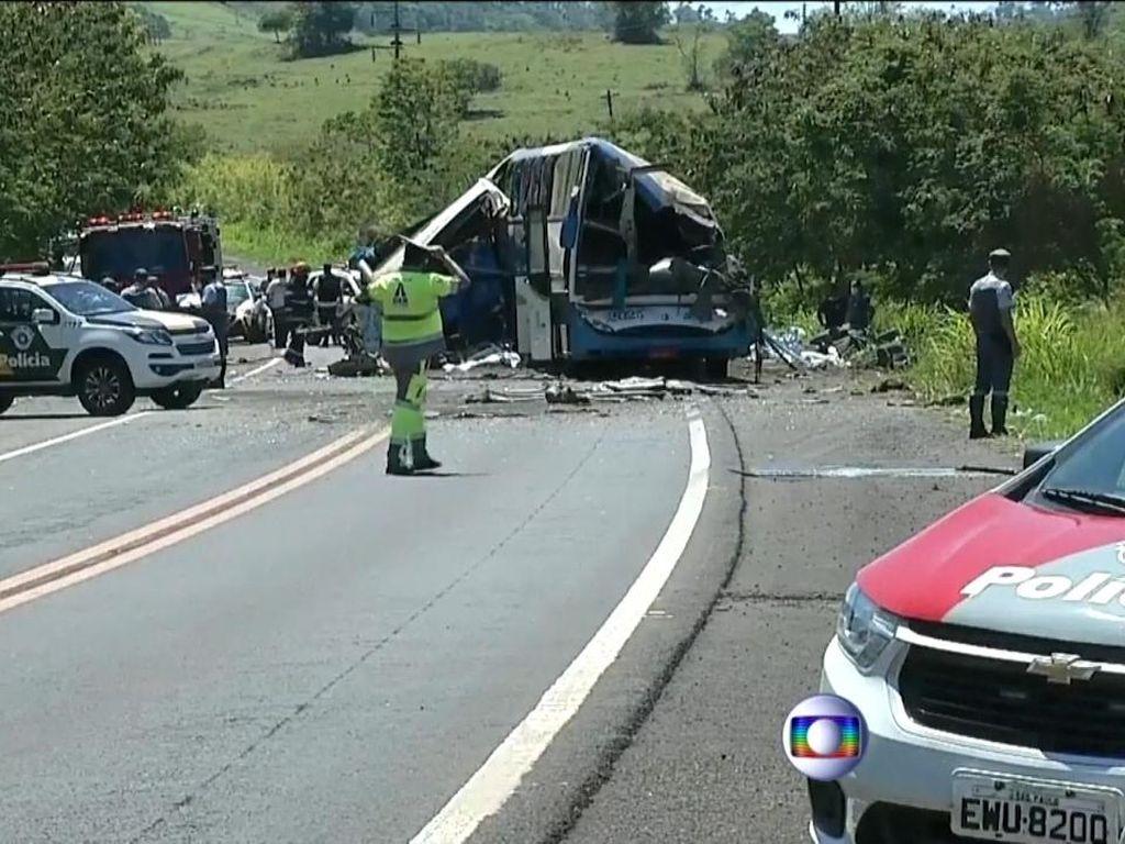 Horor! Truk Vs Bus di Brasil, 40 Orang Tewas