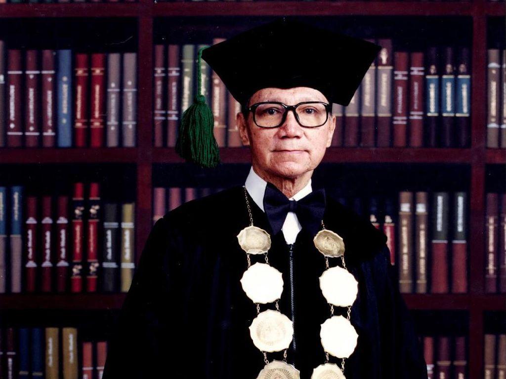 Mantan Rektor Unpar Benedictus Suprapto Brotosiswoio Tutup Usia