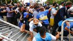 Saat Warga Argentina Padati Halaman Istana Presiden Demi Maradona