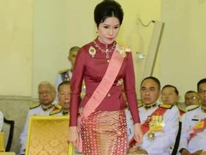 Foto: Sosok Selir Raja Thailand yang Foto Pribadinya Tersebar