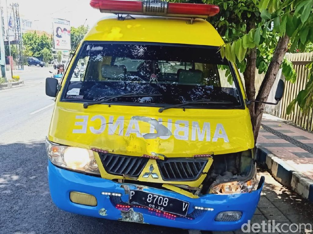 Ambulans Lawan Arus Tabrak Polisi, RSI Fatimah Evaluasi Pengemudi