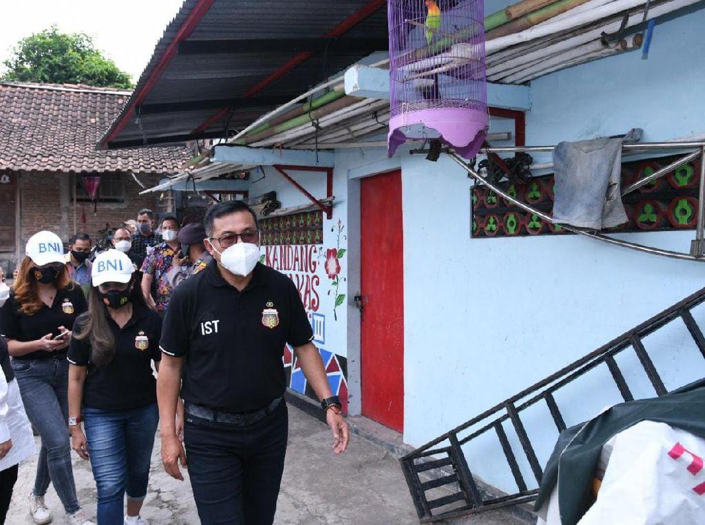 Usai Pindah Markas, Bhayangkara Solo FC Beri Bantuan ke Warga