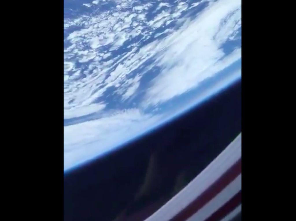Video Bumi Bulat Astronaut Ini Diragukan Penganut Flat Earth