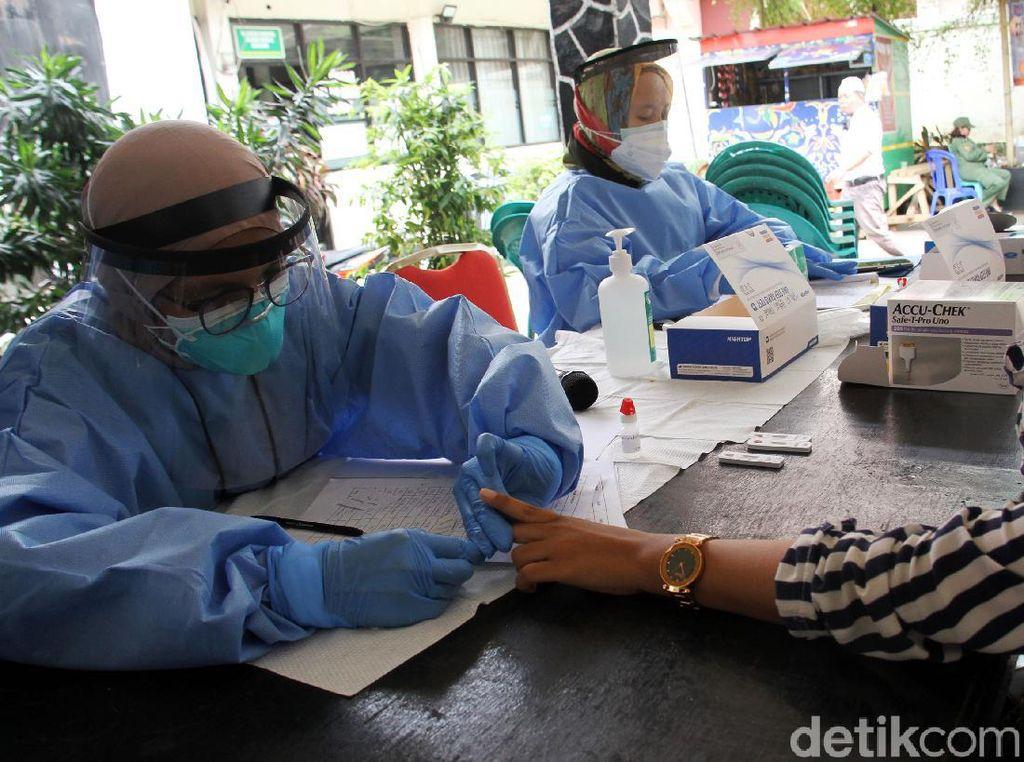 Jelang Pilkada Depok, Petugas KPPS Dites Rapid