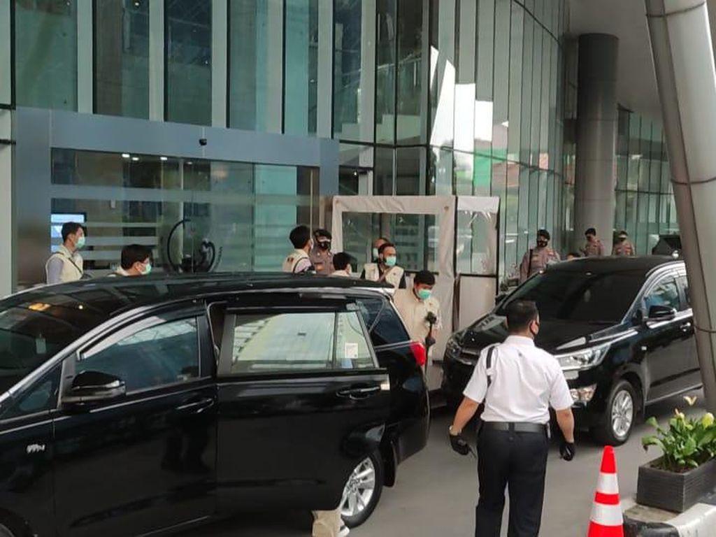5 Jam Geledah Terkait Kasus Ekspor Benur, 7 Penyidik KPK Tinggalkan KKP