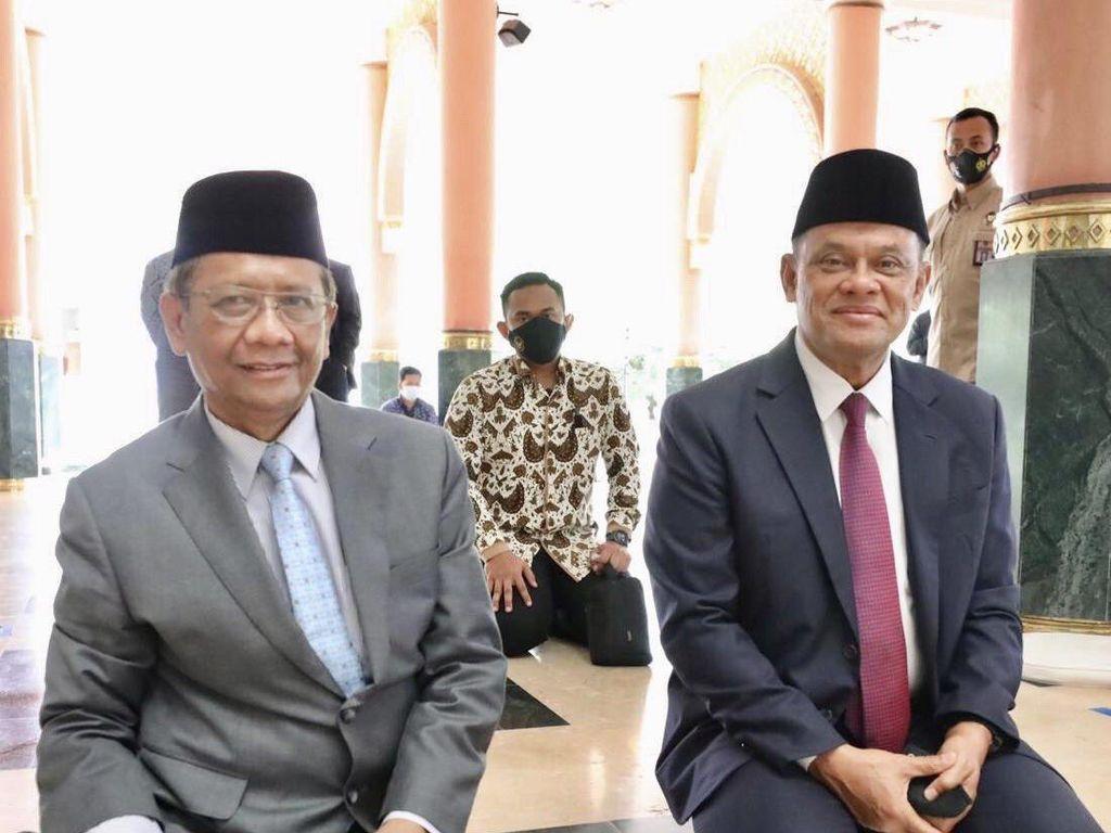 Mahfud Bertemu Gatot Nurmantyo di Masjid UGM: Ngobrol dari Hati ke Hati