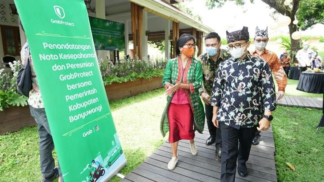 Kembangkan Ekonomi Digital Banyuwangi, Bupati Anas Teken MoU dengan Grab