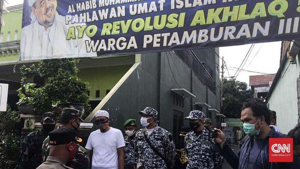Penyemprotan disinfektan di kawasan Petamburan Jakarta