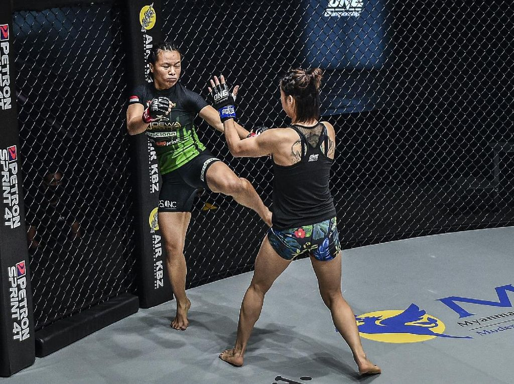 ONE Championship: Petarung Indonesia Ingin Main di Atomweight Grand Prix