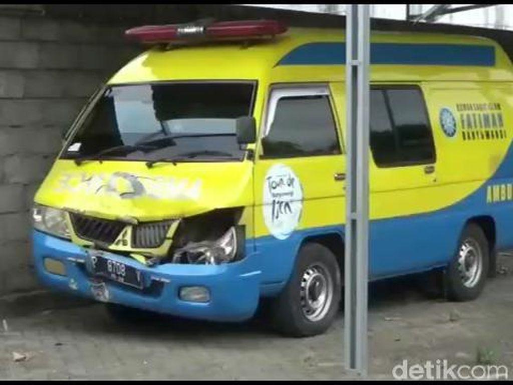 Ditahan Polisi, Ambulans yang Lawan Arus Tak Bisa Antar Pasien COVID-19 Lagi