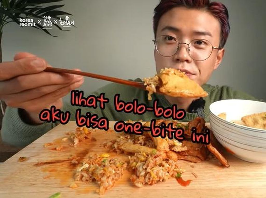 YouTuber Korea Reomit Bikin Nasi Goreng hingga Bakso Eomuk yang Unik