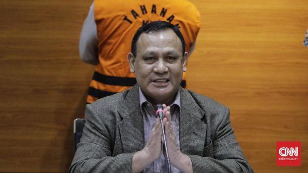 Ketua Komisi Pemberantasan Korupsi (KPK), Firli Bahuri memberikan keterangan pada wartawan terkait dugaan kasus korupsi. Jakarta, 28 November 2020.