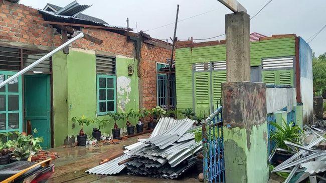 Diterjang Puting Beliung, 7 Rumah di Kota Bengkulu Rusak