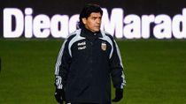 Selfie dengan Jenazah Maradona, Staf Pemakaman Dipecat