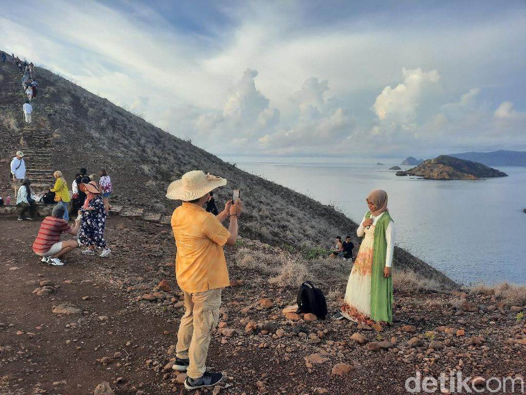 Pulau Padar Sambut Turis dengan Prokes, Ini Keadaannya Hari Ini