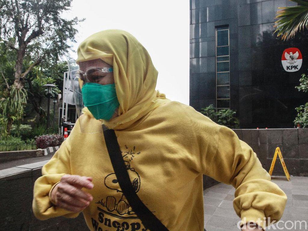 Reaksi Para Saksi OTT Wali Kota Cimahi Setelah Dilepaskan KPK