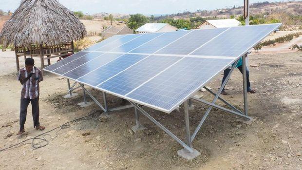 Melalui Yayasan Bhinneka Bhakti Nusantara (YBBN), membuat proyek sosial pompa air tenaga surya buatan Sanspower untuk pengadaan air bersih di Desa Loborui.