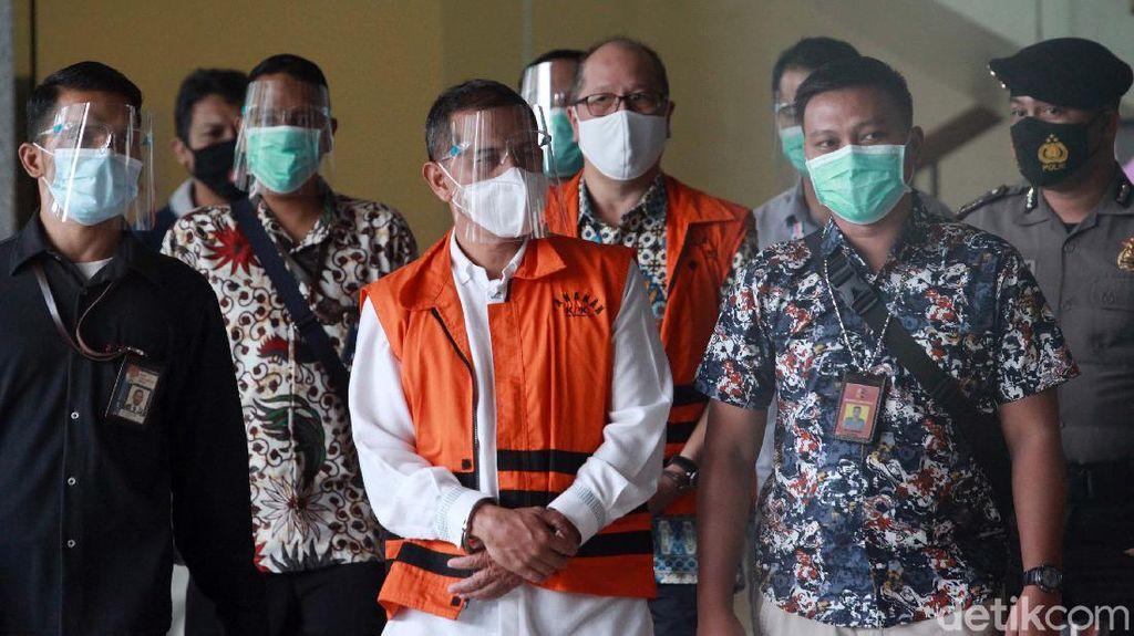 Wali Kota Cimahi Jadi Tersangka dan Diborgol KPK